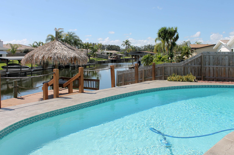 Diana Shores - Updated Waterfront Pool Home!
